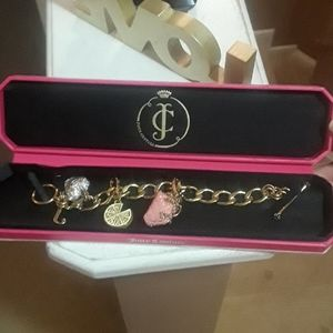 NEW Juicy Couture Charm Bracelet w/two charms